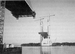 Figure 1-5: Construction of the Dame Point Bridge in Jacksonville, Florida (courtesy of Mary Lou Maher)